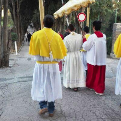 Accompagno del Santissimo in Parrocchia